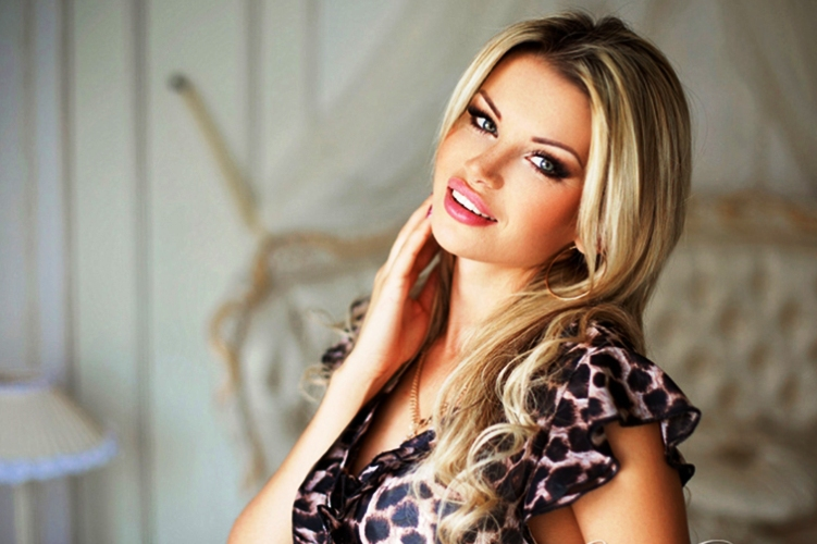 Meet beautiful Ukrainian girls on international dating websites
